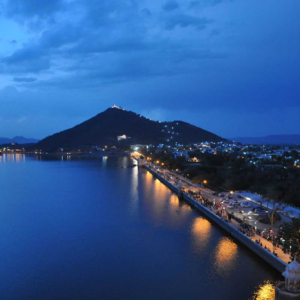 Fatehsagar-in-the-City-of-Lakes